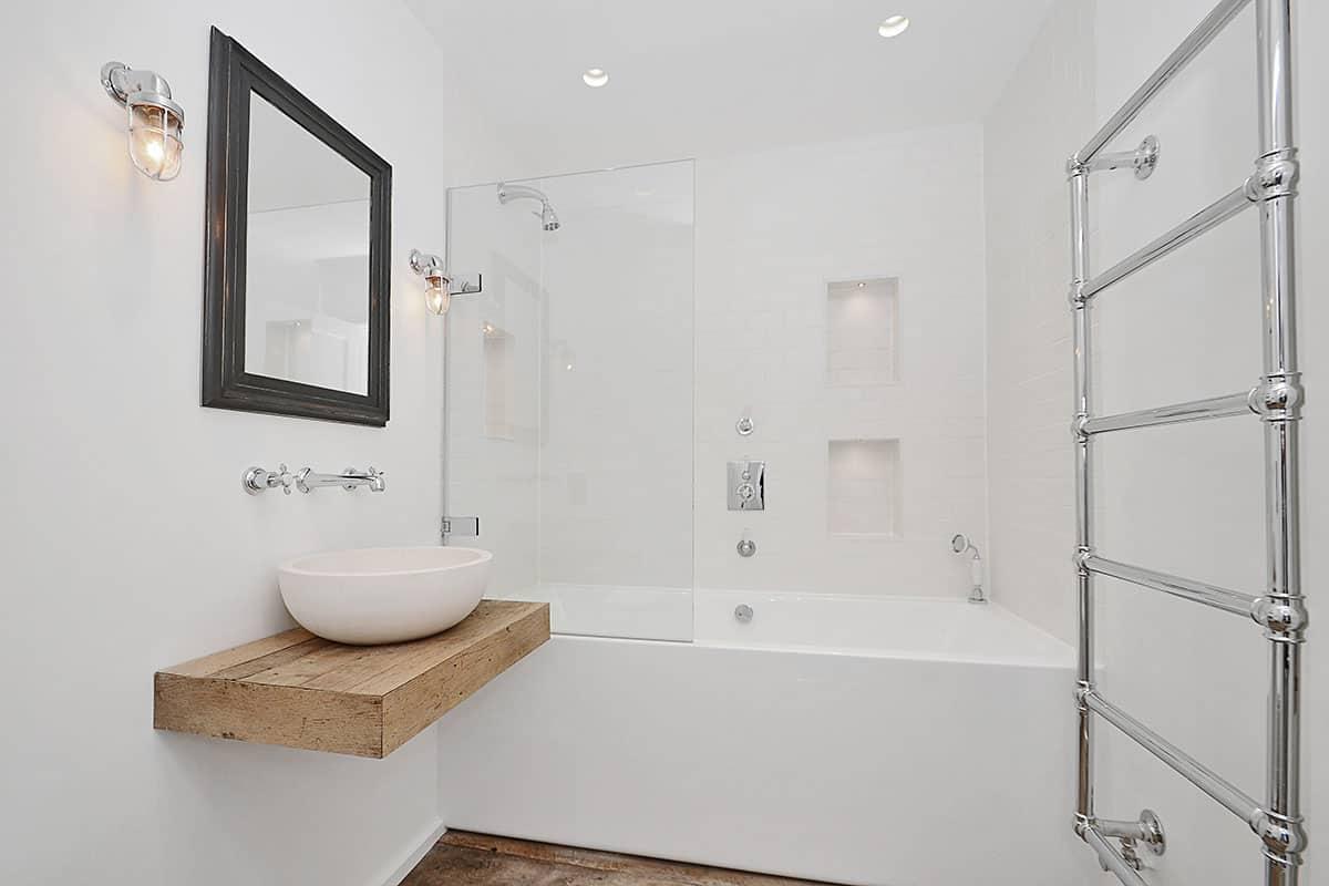 Bathroom Designer Bristol  7 Years Experience  KBB 719 Nominated